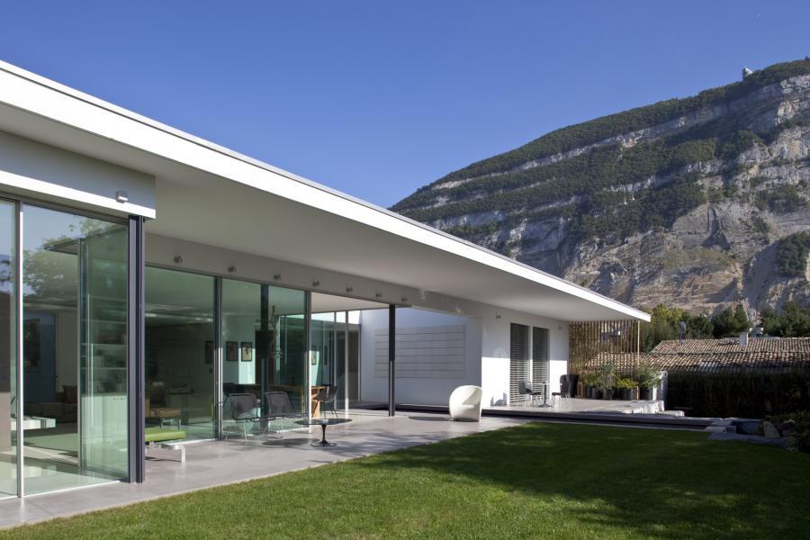 Villa E
